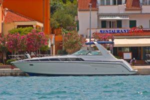 Motoryacht Bayliner 3685 avanti Kornati Charter
